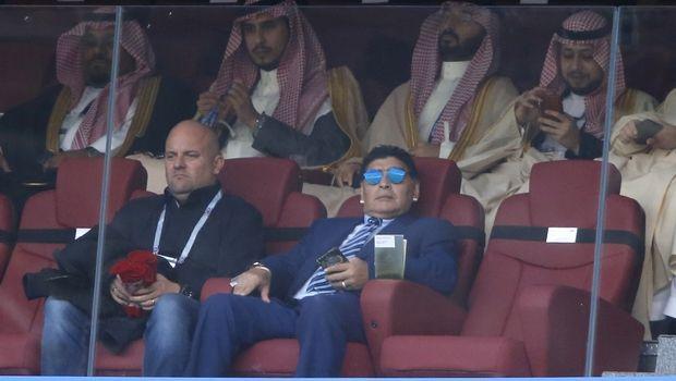 Maradona-sta-bleu